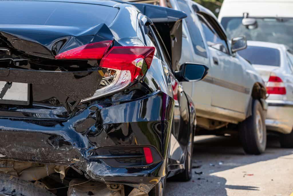 מגרש מכוניות לאחר תאונה תל מונד
