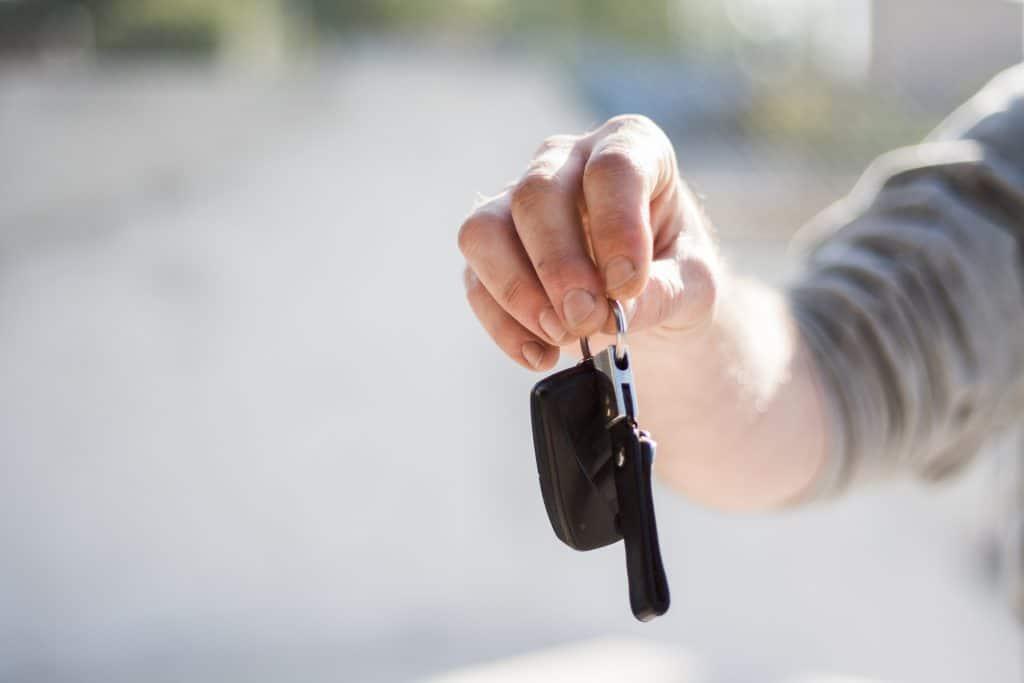קונה רכבים לנסיעה